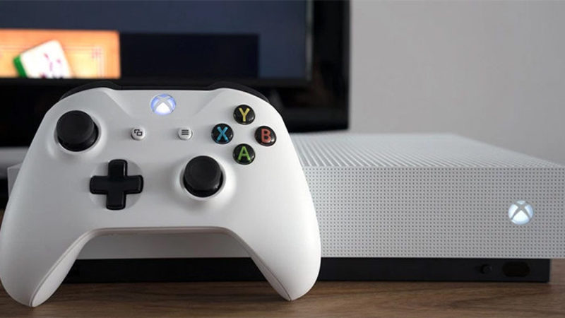 Xbox One S Käytetty